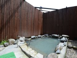前田温泉 カジロが湯1