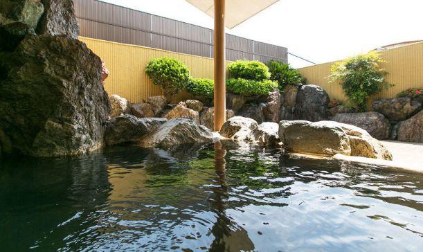 季の邸 鍋田川1
