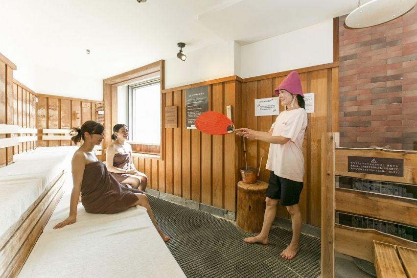 女性サウナ室